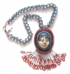 Humenik-face-necklace