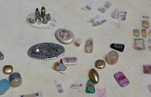 making miniatures with beads and polymer clay